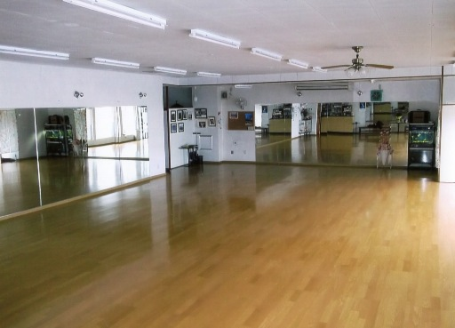 青木ダンススクール