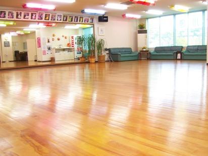 上川原ダンススクール